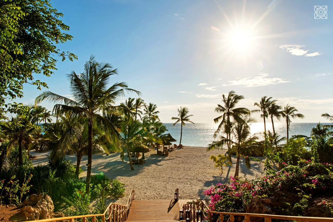 Luxury African Vacations in Zanzibar with Anywhere in Africa Safaris